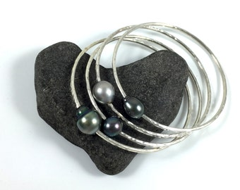 Tahitian Pearl Bangle, Silver Hammered Bracelet, Hawaiian Jewelry, Hawaii Beach Fashion, Bridal, Wedding Accessory, Christmas Gift Idea,