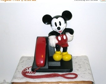 1990 Mickey Mouse Figure Touch Tone Telephone / AT&T / Red Handset / Great Condition / Works!