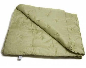 NOONOO Habotai silk welcome blanket, pistachio green