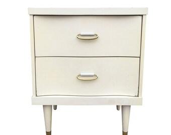 Bassett Bedside/End Table White