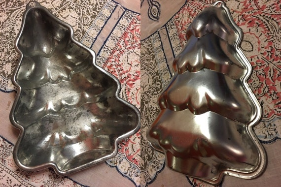 Vintage Christmas Tree Cake Pans Wilton Cake Pan Metal