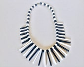 Vintage Mod Plastic Spike Necklace Black and White