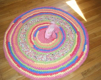 Rag Rug in Bright Colors 40 inches Round - for Etsy
