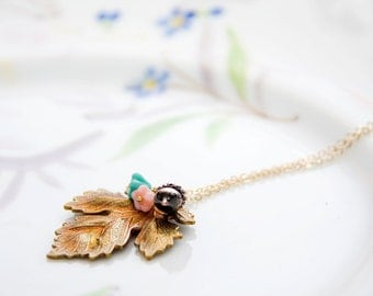 Maple Leaf Necklace Gold Tone Brass Flower Acorn Maple Leaf Pendant Necklace Nature Leaf Jewelry - N318