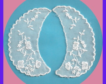 LACE COLLARS Vintage Embroidered Ecru Off White Child or Doll Collars