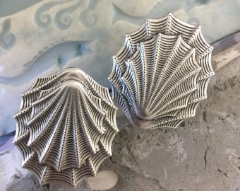 No. 3 Oyster Shell Silver Layered (1 pc)