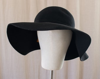 black wool floppy hat - M