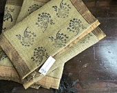 Burlap Table Runner - Blo...