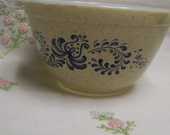 Pyrex Homestead Mixing Bowl 401  Vintage