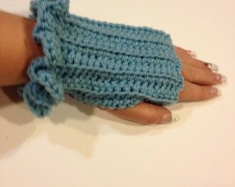Crocheted Fingerless Gloves with Ruffles