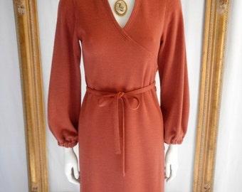 30% OFF SUMMER SALE - - Vintage 1970's Albert Nipon Wool Knit Dress - Size 2