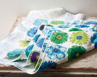 Set of 5 Floral Blue Green Flower Napkins Linen Fabric Cloth
