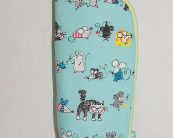 """Padded Pencil Case / Upright Pencil Case /  Made with Japanese Cotton Oxford Fabric """"Cats & Mice"""""""