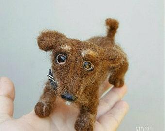 Dachshund sausage dog sculpture, needle felted, doxie art, cute felt animal, miniature plush dog, artisan made wool weenie pet, weiner dog