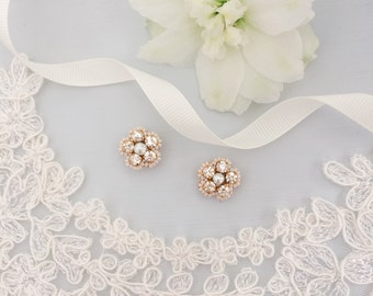 Gold and ivory crystal and pearl flower wedding earrings, Wedding earrings, bridal earrings, Flower wedding earrings, Gold earrings