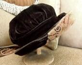 Vintage Black Velvet Edwardian Cloche Hat / Downton Abbey Hat / Fall Hat / Winter Hat / 1910 Black Velvet Suffragette Cloche Hat