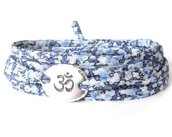 Ohm charm bracelet with Liberty fabric in shades of blue, Yoga accessory for women, gift idea for girls