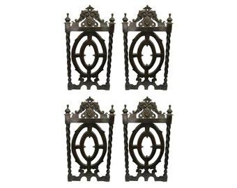 Set of decorative wood pieces