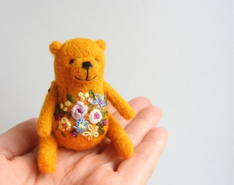 Needle felted Yellow Bear brooch / embroidered flowers / Hand made, gift for friend, in the box /  Gift for kids / Gift mom