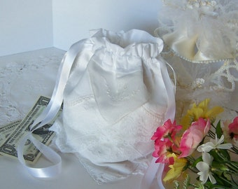 Dollar Dance Money Bag Wedding Reception Tradition for Gift Cards or Bridal Cosmetics Vintage Handkerchiefs Drawstring Pouch in White Lace
