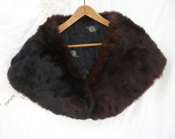 Vintage Fur Wrap ~ Shrug ~ Stole ~ Dark Brown ~ Pom Pom Closure 1940's era