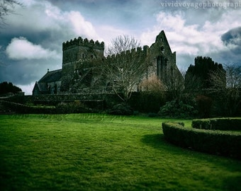 Ruins Photograph, Irish Church Photo, Architecture Art, Dark Landscape, Dramatic, Photos Of Ireland, Blue Green Decor, Rustic Architecture