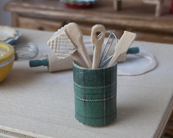 Kitchen Utensils in Green Plaid Canister in 1:12 Scale for Dollhouse Country Cabin Kitchen