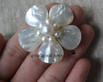 white pearl brooch,shell flower brooch,real pearl brooch,shell and pearl brooch,flower brooch,wedding party,bridesmaid gift,pearl and shell