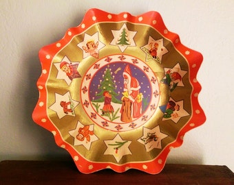 Large Antique Lithographed Paper Christmas Bowl/Basket, made in Germany around 1900