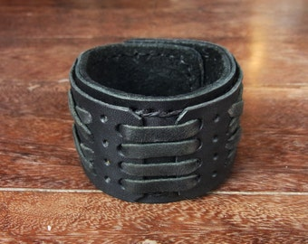 Gladiator Leather cuff bracelet with secret pocket //  rocker // cow hide // geniune leather  // intertwine // interlace // gothic // black
