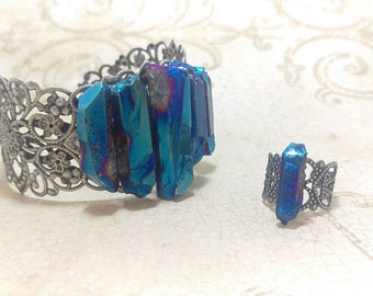 The Cora- Metal Alloy Filigree Adjustable Rings with Raw Quartz Crystal