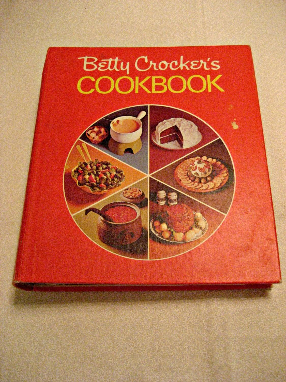 Binder Cookbook Cover ~ Betty crocker cookbook red pie cover ring binder vintage