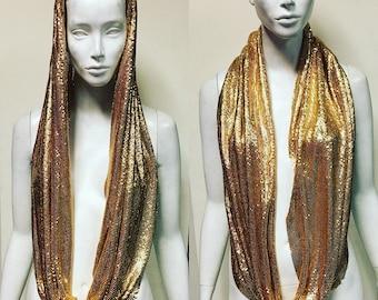 Metal mesh infiniti scarf in gold