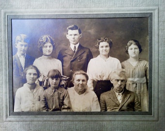 Antique Photo of Edwardian family from Germany