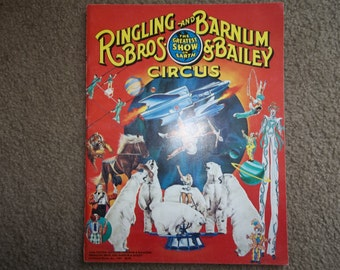 vintage Ringling Brothers &  Barnum  Bailey Circus Poster and Program...BEARS,CLOWN, Ringmaster ..1978...Perfect