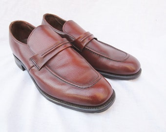 1960s Mens Brown Leather Shoes Heeled Heels Retro Fashion Vintage Shoes Photography Modeling Photo Shoots Original Made in USA Vintage Shoe