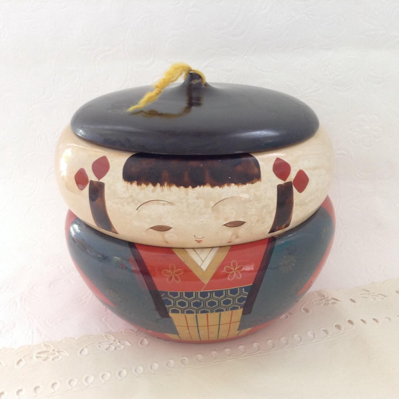 kokeshi bento box red lacquer japanese doll rice bowl box. Black Bedroom Furniture Sets. Home Design Ideas
