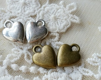 14 mm x 11 mm Antique Bronze / Tibetan Silver Heart Shape Charm Pendant (.tgc)