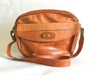 Vintage Tan Leather Camera / Travel Bag