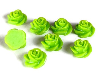 13mm Green rosebud cabochons - 13mm rose cabochon - 3D rose cabochons (661) - Flat rate shipping
