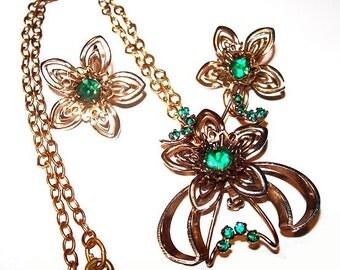 Green Rhinestone Necklace Earring Set Flower Cluster Gold Metal Vintage Holidays
