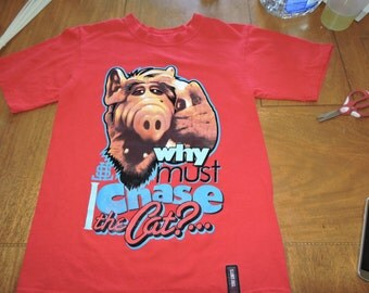 ALF 80's TV Show T-Shirt size Adult Small