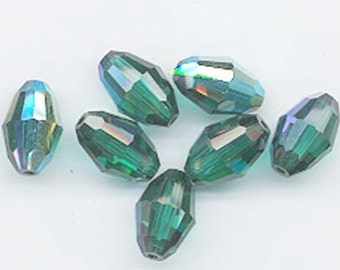 12 vintage Swarovski crystals - art. 5200 - 10.5 x 7 mm - emerald AB