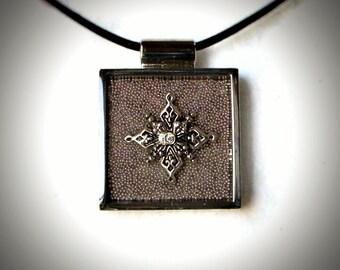 Pale Purple Star/Snowflake Pendant
