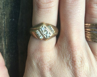 Vintage 70's gold and diamonds ring size 7.5