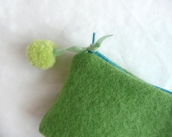 Green wool pouch - pom pom purse - hand dyed wool purse - hand made wool purse with pom pom - green wool mini purse