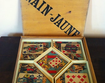 Board game. Vintage French nain jaune card game