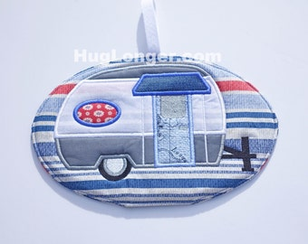 ITH Camper Potholder embroidery files HL1058