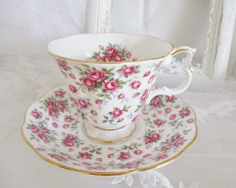 Vintage Royal Albert Chelsea teacup and saucer set, 1970s Nell Gwynne Series of teacups, excellent condition