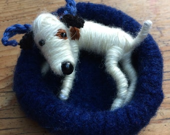 Woolen dog bed